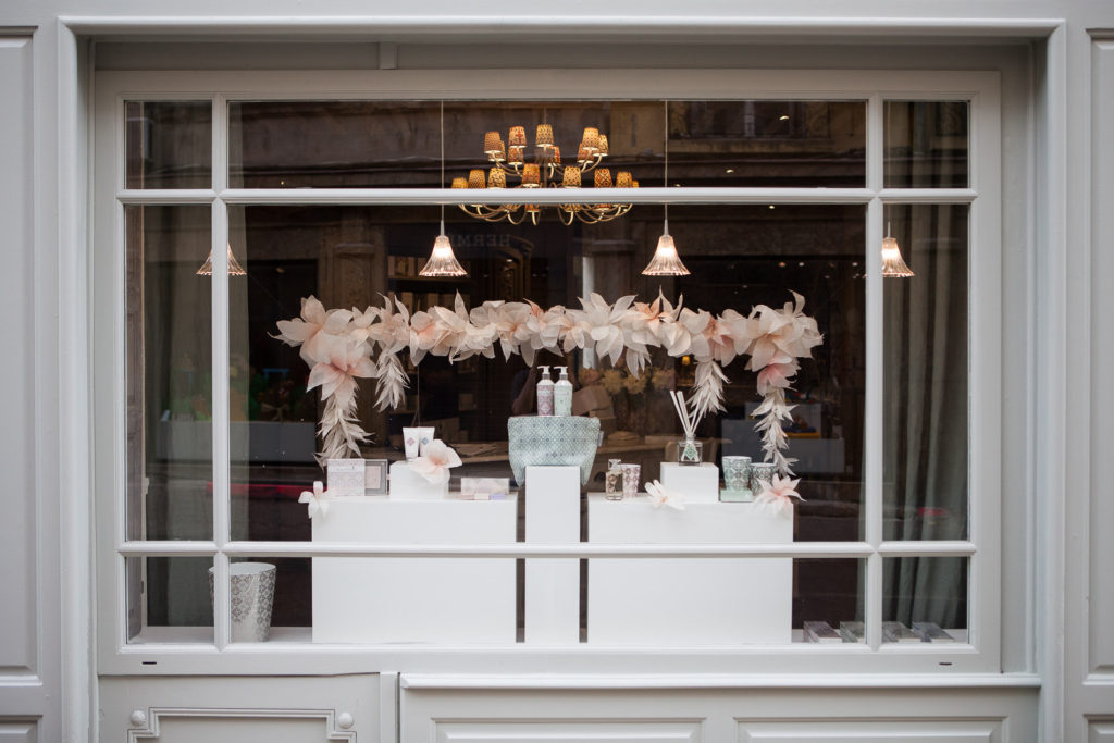 Paper art - Window Display - Rose et Marius -